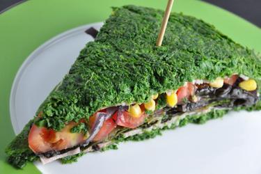 Низкокалорийный сэндвич из шпинатного теста (без муки)