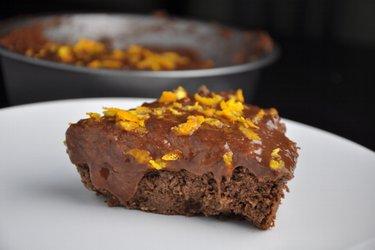 Шоколадно-апельсиновый нутовый торт