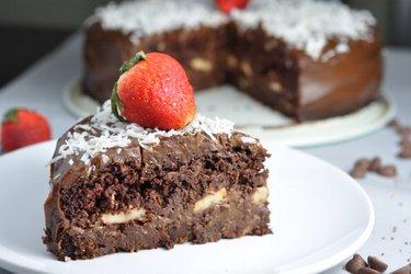 Полезный шоколадный низкокалорийный торт «Шокохолик»