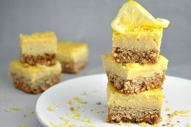 Кисло-сладкий десерт с лимоном без муки