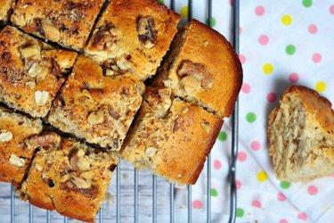 Торт «Блондинка» из полбы с орехами