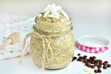 Рецепт кокосового пудинга с семенами чиа и латте